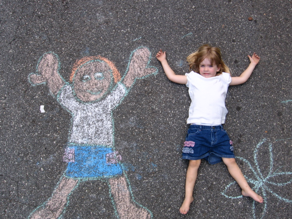 sidewalk-chalk-kid